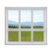 летний пейзаж, видели через окно — Стоковое фото