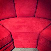 Divano di velluto rosso — Foto Stock