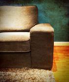 диван в комнате, винтажный стиль — Стоковое фото