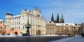 Prag kalesi ile kar kış — Stok fotoğraf