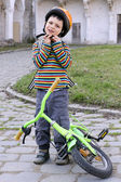 Child with helmet and bike.  — Stockfoto