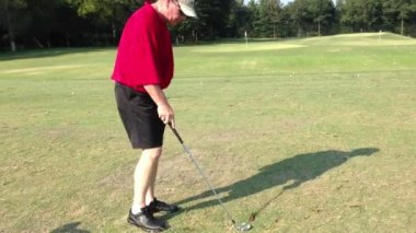 Golf lesson. Practicing golf. Out door activity. — Stock Video