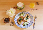 Healthy breakfast on wood table — Stock Photo