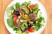 美食沙拉配肝 — 图库照片