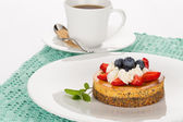 Cheesecake and cup of tea — Stock Photo