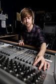 Superviseur sonore dans la galerie de la télévision — Photo
