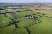 Vue aérienne de la ferme et des champs — Photo