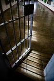 Fängelse dörr — Stockfoto