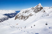 Chair lift up to Wurmkogl peak at the ski resort of Hochgurgl in — Stock Photo