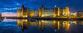 Caernarfon castle bei nacht — Stockfoto