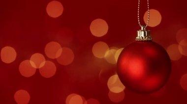 Bauble vermelho de natal — Vídeo stock