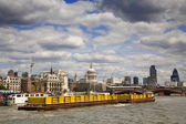 Container Boat on River Thames — Stock Photo