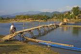 Bridge over Nam Xong River, Vang Vieng — Stock Photo