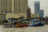 Pagoda next to chao praya river Bangkok — Stock Photo