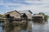Zwevende dorp — Stockfoto