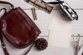 Retro leather bag and photo — 图库照片