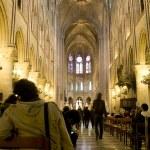 Notre Dame de Paris interior — Stock Photo #21737429