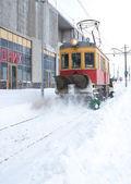 Spårvagnshållplatsen snö borttagning — Stockfoto