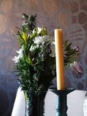 Candle and flowers — Photo