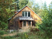 Old uninhabited house — Stock Photo
