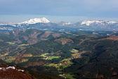 Arratia valley and amboto mountain — Stock Photo
