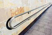 Metal railings on slope of pedestrian walkway — Stock Photo