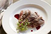 Skirt Steak with Pomegranate Gastrique — Stock Photo