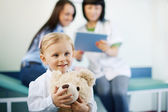 Little girl at doctors office — Stock Photo