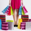 donna con pieno shopping bags — Foto Stock #21963911