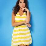 Portrait of beautiful summer girl — Stock Photo