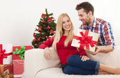 Man surprising his girlfriend — Stock Photo