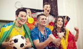 Football supporters celebrating goal — Foto Stock