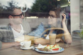 Man and woman in lunch time — Stock Photo