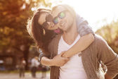 Couple have fun in sunny day — Stockfoto