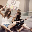 Hippie beautiful friends — Stock Photo
