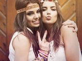 Beautiful summer girls — Stock Photo