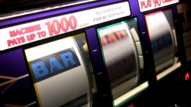 Real slot machine in action — Stock Video