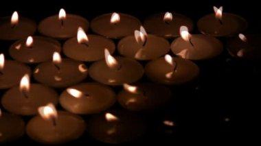 Mueren las velas — Vídeo de stock