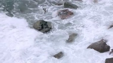 Rocks and surf — Stockvideo