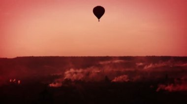 Morning balloon flight — Stock Video