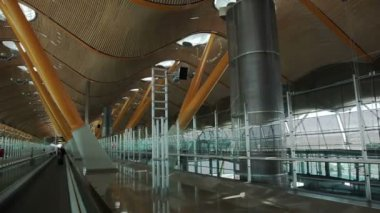 Madrid. Barajas airport — Stock Video