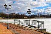 "Beautiful embankment of the lake ""Verhnee"". Kaliningrad (until 1946 Koenigsberg), Russia — Stock Photo"