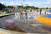 药壶喷泉在 verhnee 湖大堤上 (直到 1949 oberteich)。加里的宁格勒 (直到 1946年常客)、 俄罗斯 — 图库照片