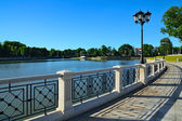 Embankment Of Lake Verhnee (formerly Oberteich). Kaliningrad (formerly Koenigsberg), Russia — Stock Photo