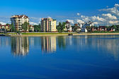 Embankment of lake Verhnee (before Oberteich) on a summer evening — Стоковое фото
