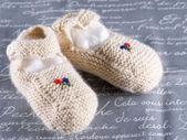 Calcetines pequeños en tela — Foto de Stock