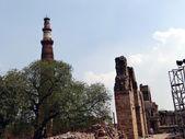 Qutub Minar & Campus1 — Stock Photo