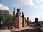Qutub Minar & other Monuments — Stock Photo