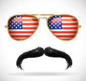 Mustaches and sunglasses with american flag reflection — Stock Vector