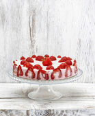 Strawberry cake on cake stand. — Stock Photo